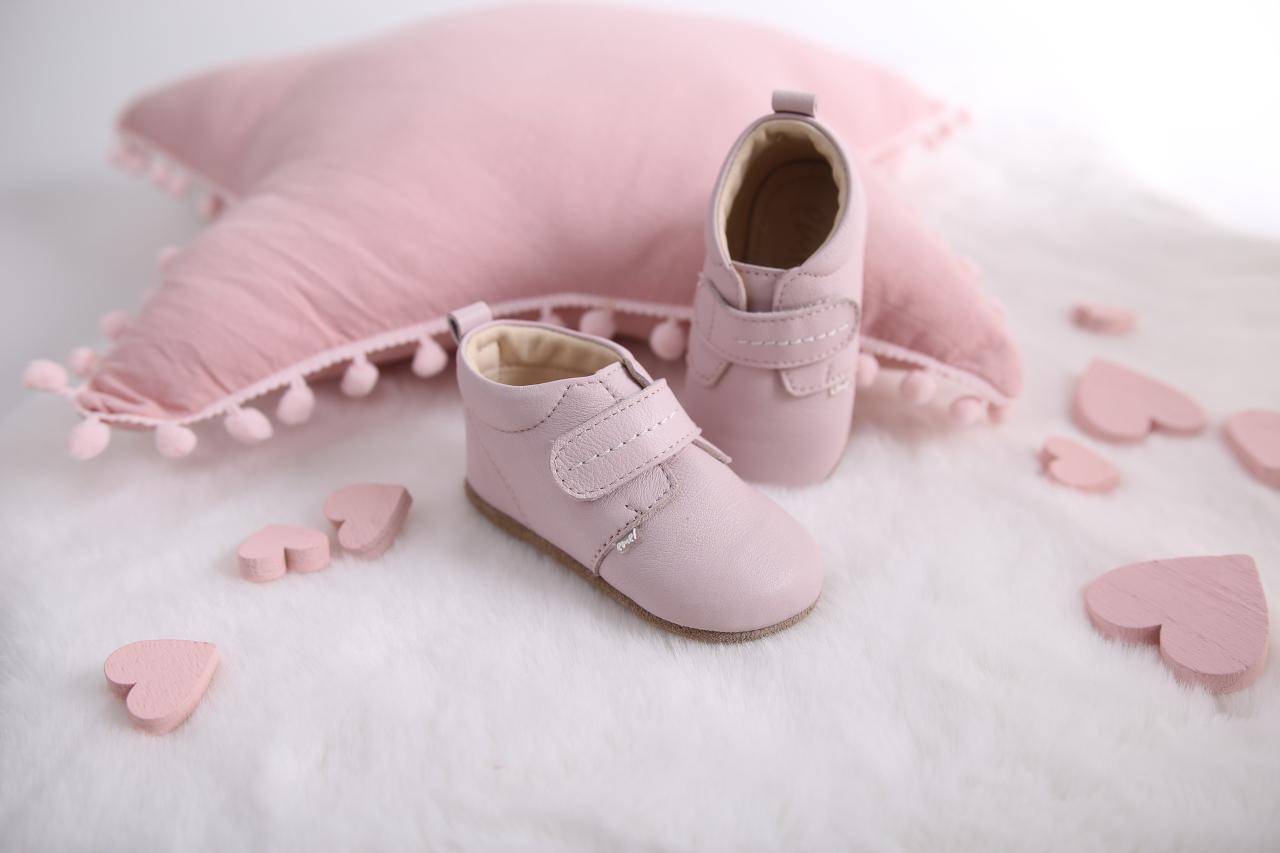 buty do nauki chodzenia,jak dobrać buty dla dziecka