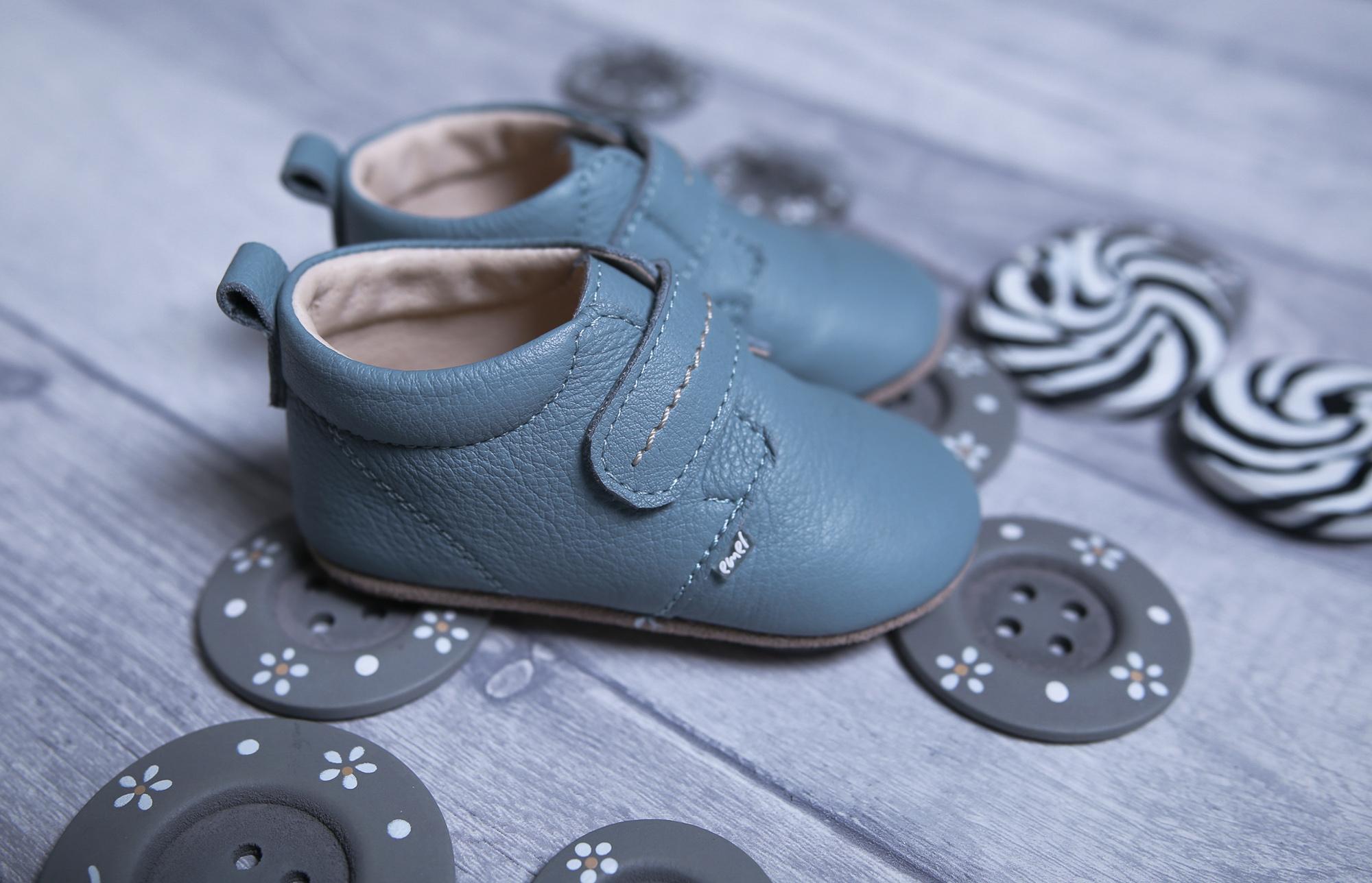 jak dobrać buty dla dziecka, jakie buty dla dziecka, ręcznie robione buciki dla dzieci